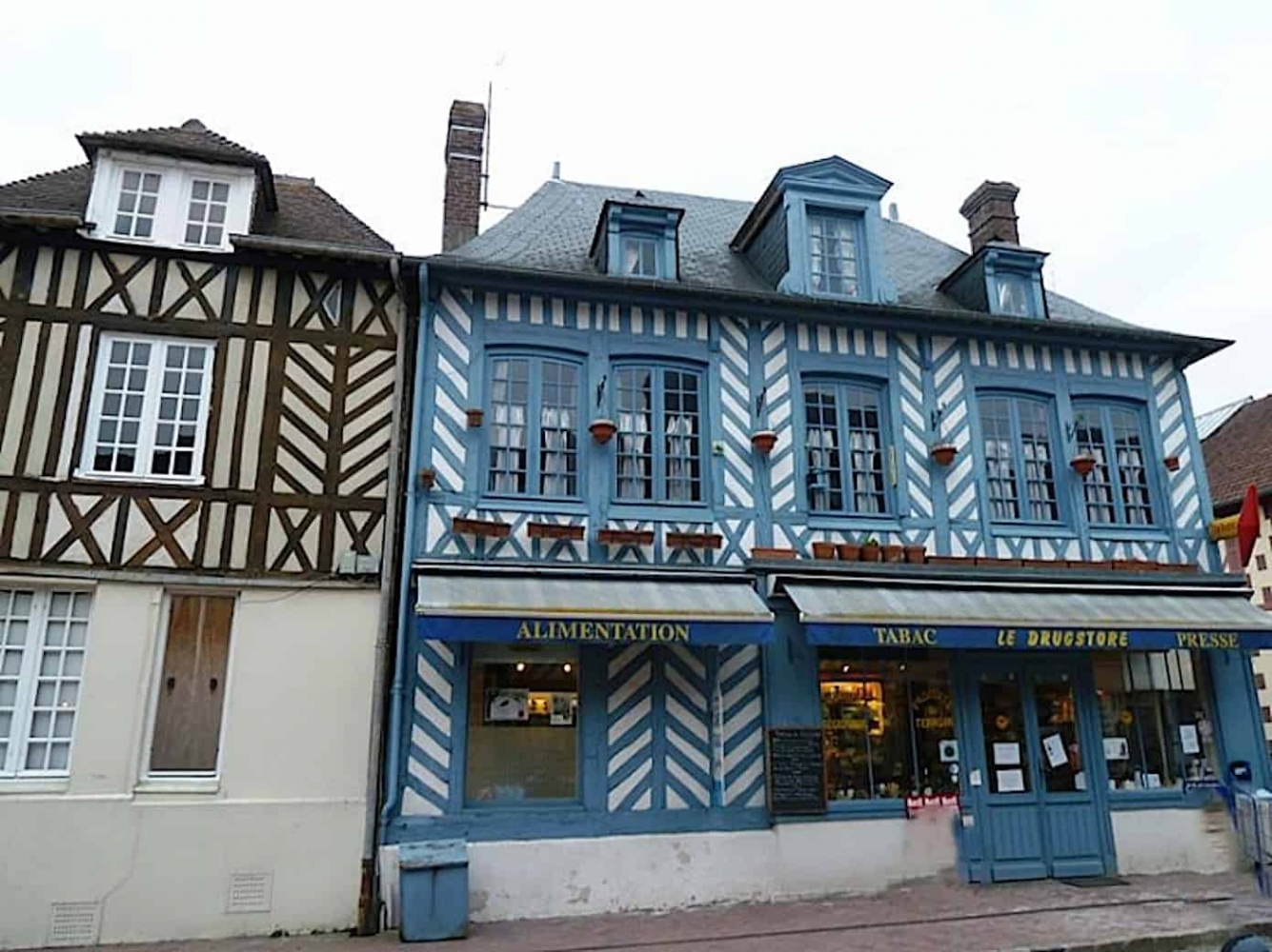 chambre d'hote beaumont drugstore