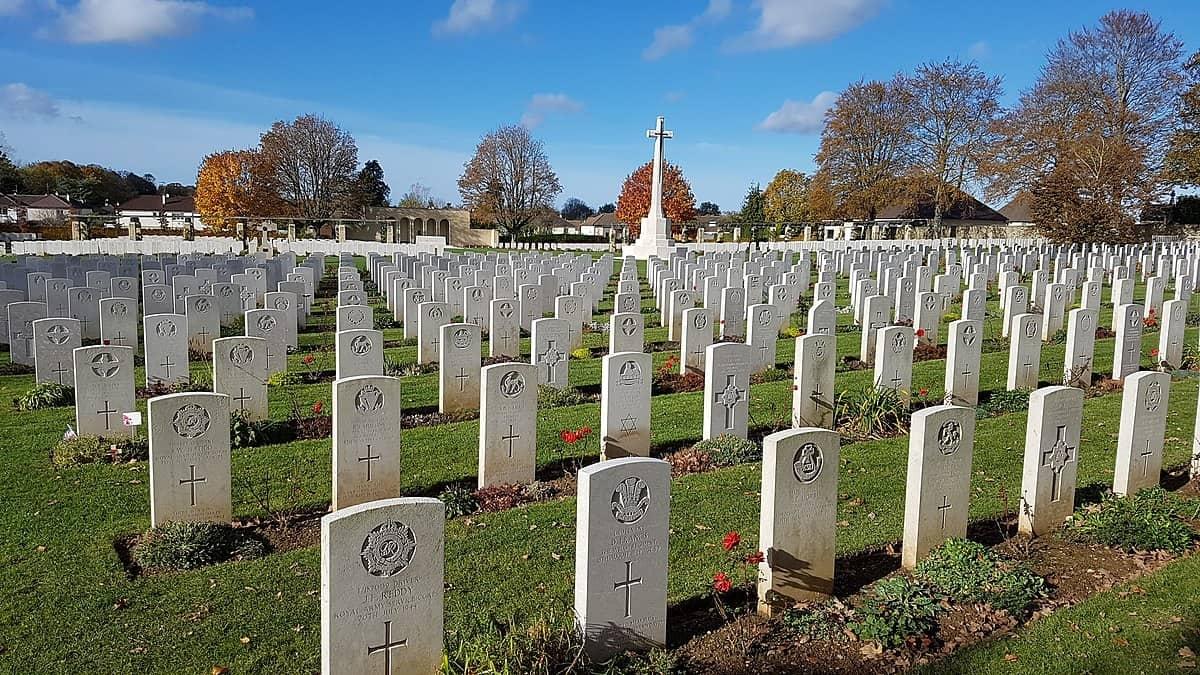 Cimetière_militaire_britannique_de_Ranville