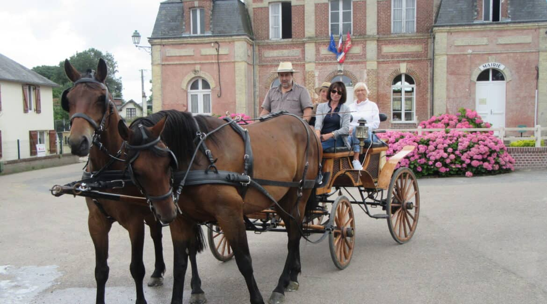 ⇒ Une balade en calèche à Deauville
